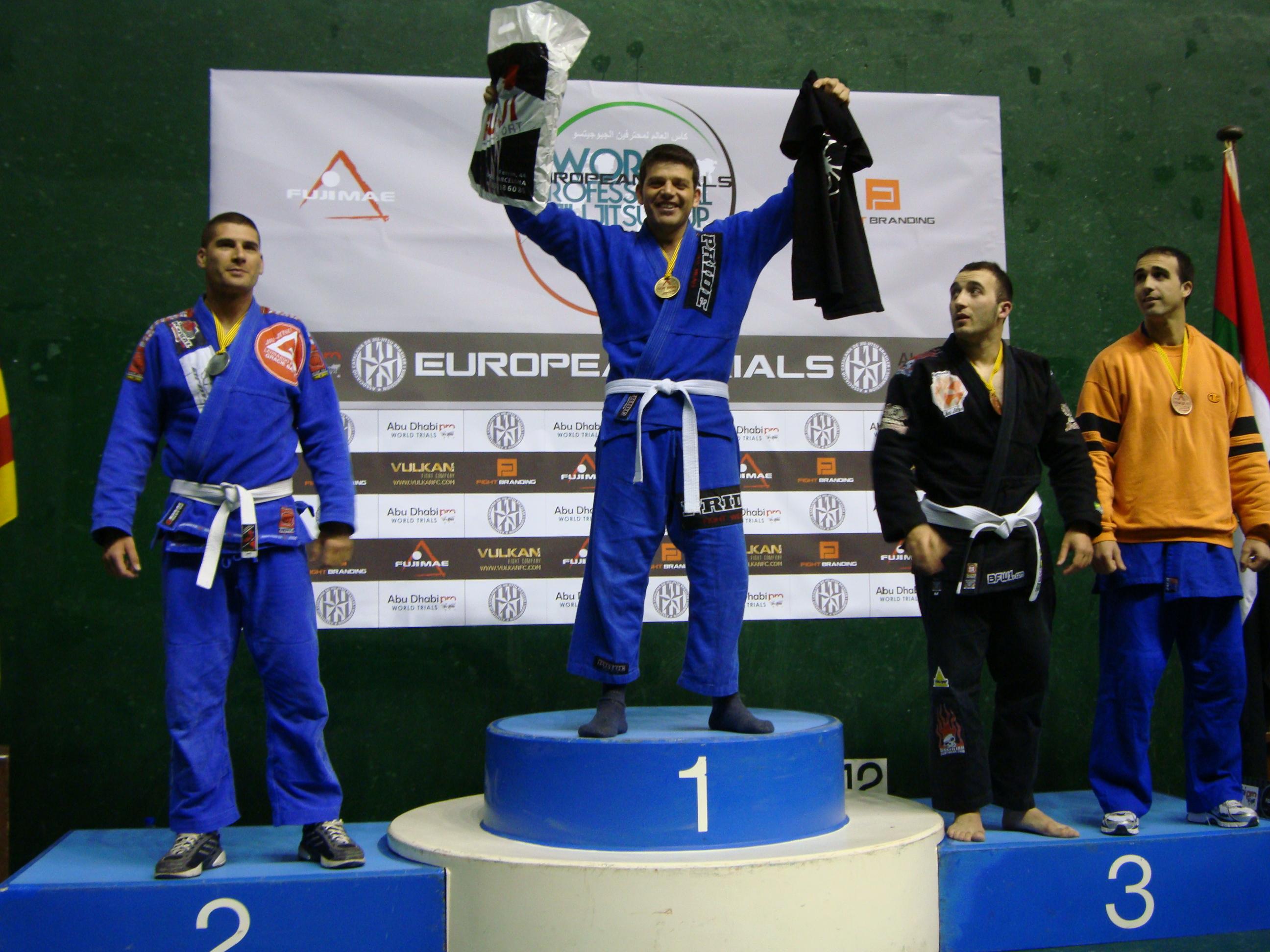Alfonso Rodríguez en lo más alto del podio