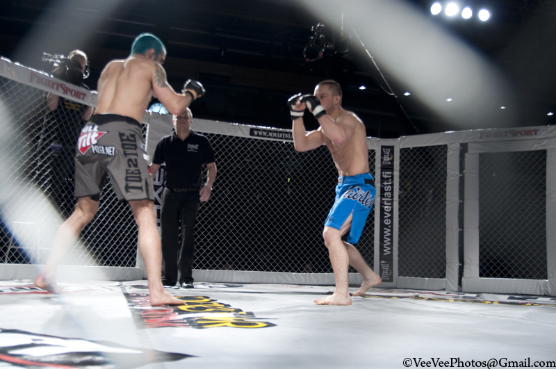 oriol gaset in the cage